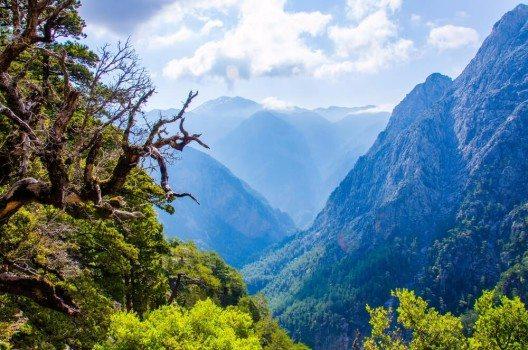 Ein Highlight für Naturfreunde und Wanderfans ist die Samaria-Schlucht an der Nordwestküste. (Bild: © Simon Dannhauer - shutterstock.com)
