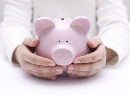 Spare Kapital für deine Langzeitreise. (Bild. © Jakub Krechowicz - shutterstock.com)