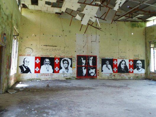 Die alte Meditationshalle mit Graffitis. (Bild: © Julia Schattauer / bezirzt.de)