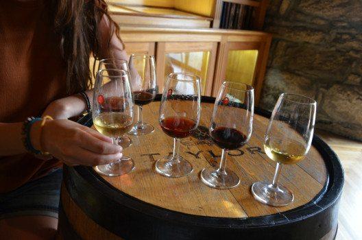 Eine Portweinprobe sollten Sie sich nicht entgehen lassen. (Bild: © Julia Schattauer / bezirzt.de)