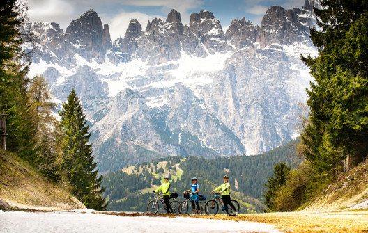 Biken ist mehr als nur ein Sommersport. (Bild: TDway / Shutterstock.com)