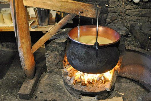 Käse ist ein Produkt mit viel Tradition. (Bild: Alexander Chaikin / Shutterstock.com)