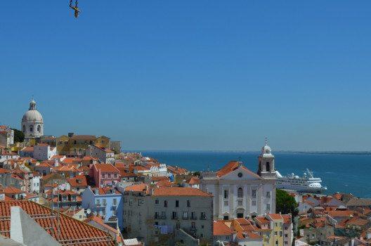 In Lissabon lohnt es sich vorab zu buchen.  (Bild: © Julia Schattauer / bezirzt.de)
