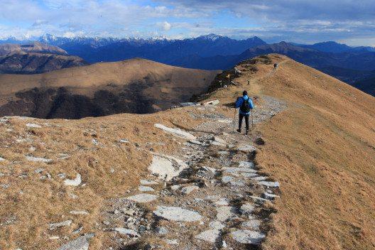 Der Monte Generoso bietet Wanderfreunden zahlreiche Routen. (Bild: Zocchi Roberto / Shutterstock.com)