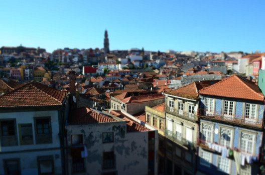 Porto, eine pittoreske Stadt mit viel Sightseeing-Möglichkeiten. (Bild: © Julia Schattauer / bezirzt.de).