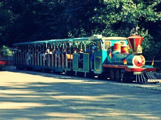 Die noch intakte originale Bimmelbahn. (Bild: © Julia Schattauer / bezirzt.de)