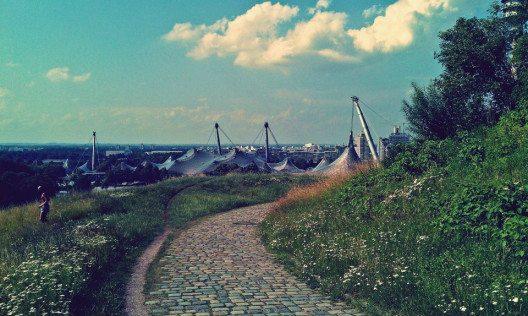 Der Olympiapark war 1972 Austragungsort der tragischen Olympischen Spiele (Bild: © Julia Schattauer / bezirzt.de)
