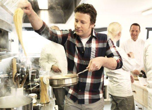 """Der britische Starkoch Jamie Oliver (Spitzname: """"The Naked Chef"""") (Bild: © Scandic Hotels, Wikimedia, CC BY-SA 3.0)"""