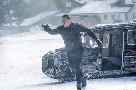 James Bond (Daniel Craig) bei den Dreharbeiten Anfang 2015 in Sölden zum neuen James Bond Film 'Spectre'. Unterkunft bei den Dreharbeiten für die Filmcrew war das Bergland Hotel Sölden. (Bild: © PHOTOPRESS/Tirol Werbung)