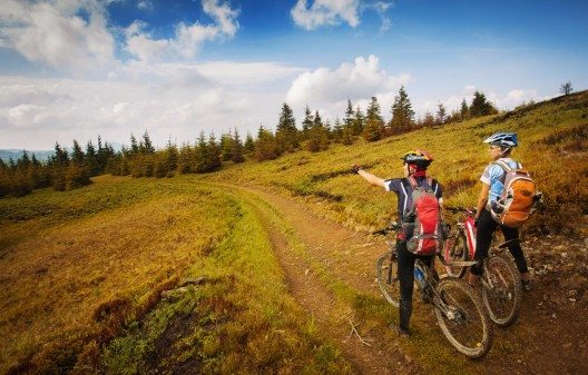 Die Region Gstaad-Saanenland bietet hervorragende Bedingungen für den Fahrradtourismus. (Bild: © Rocksweeper - shutterstock.com)
