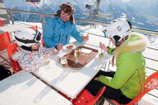 Die kommende Wintersaison 2015/2016 stellt die Schweizer Hoteliers vor besondere Herausforderungen. (Bild: © gorillaimages - shutterstock.com)
