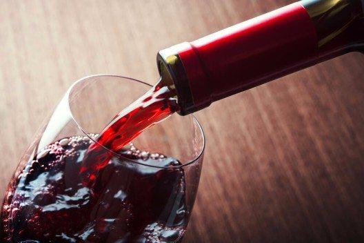 Das Tessin wird von internationalen Weinkennern für seinen Merlot geschätzt. (Bild: © Dima Sobko - shutterstock.com)