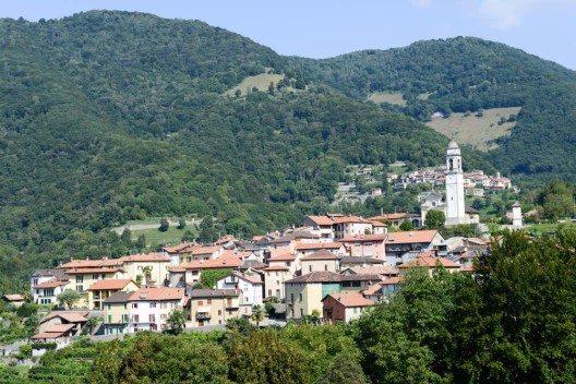 Dass Muggiotal, das zu den kleinsten Tälern der Tessiner Bergwelt zählt. (Bild: © Stefano Ember - shutterstock.com)