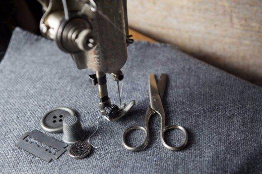 Die Auswahl des richtigen Stoffes ist eine kleine Kunst für sich (Bild: © vetre - shutterstock.com)