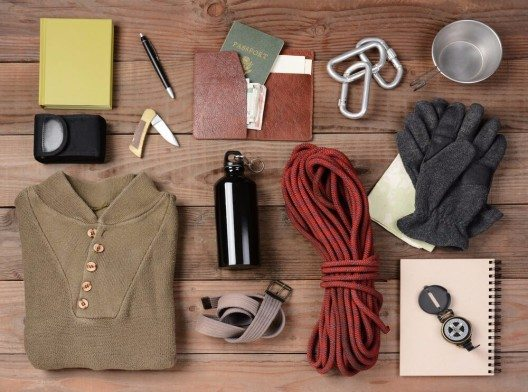 Passendes Equipment für die nächste Reise rechtzeitig zusammenstellen (Bild: © Steve Cukrov - shutterstock.com)
