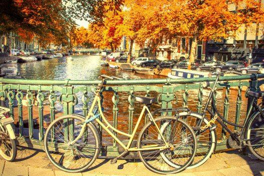 Das typischste Fortbewegungsmittel in Amsterdam. (Bild: ©Giancarlo Liguori / shutterstock.com)