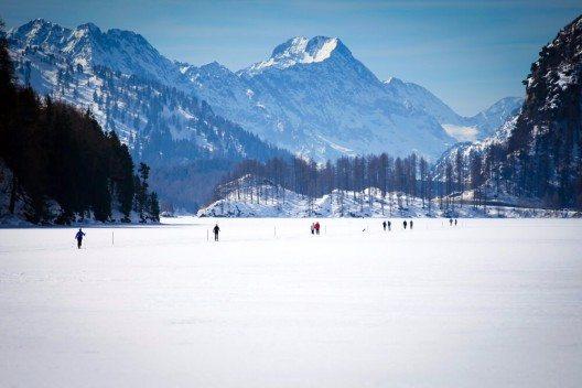 Engadin St. Moritz startet in die Wintersaison 2015/2016. (Bild: © Marco Scisetti - shutterstock.com)