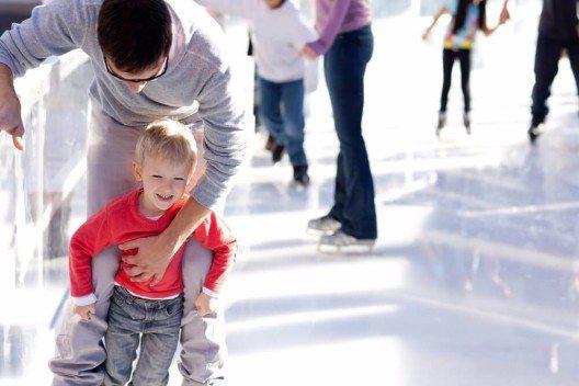 """Auch Kinder kommen bei """"Locarno on Ice"""" voll auf ihre Kosten. (Bild: © Aleksei Potov - shutterstock.com)"""
