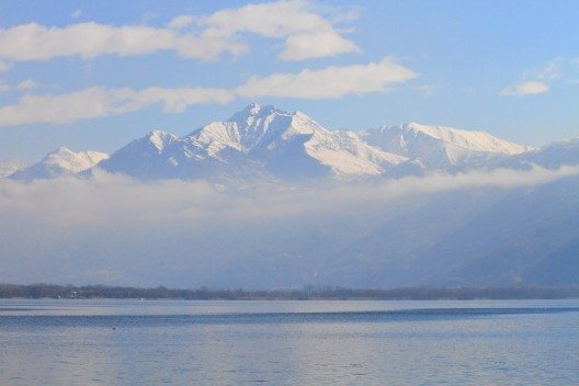 Lago Maggiore im Winter (Bild: © mary416 - shutterstock.com)
