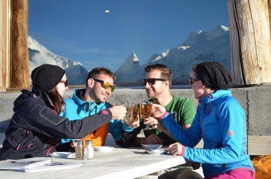 Die Zahlen, welche seit dem 28. November auf Corviglia verbucht werden können, sprechen für das hochklassige Pistenangebot. (Bild: © 2015 Engadin St. Moritz Mountains/Maria Tutschek)