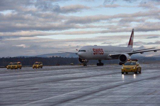 Swiss International Air Lines (SWISS) hat das erste von insgesamt neun Boeing 777-300ER Flugzeugen erhalten.