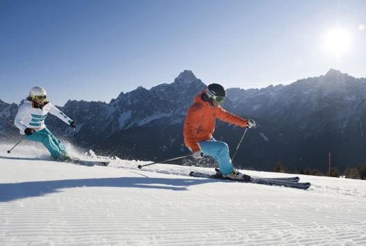 Skibegeisterte können derzeit im Skigebiet Sextner Dolomiten aus zahlreichen geöffneten Pisten wählen. (Bild: Tourismusverband Hochpustertal / Thomas Gruener)