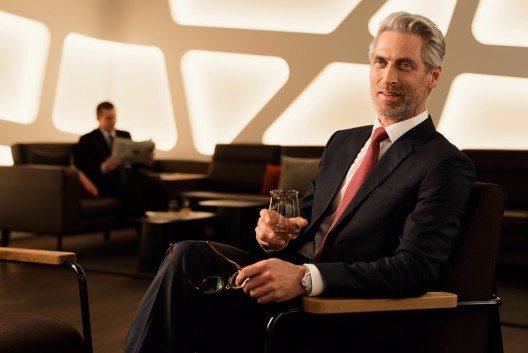 In der Senator Lounge befindet sich eine exklusive Whisky-Bar mit über 120 verschiedenen Whisky-Sorten.