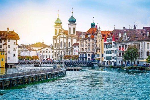 Erfolgreichste Schweizer Destination ist im Tourismusjahr 2014 Luzern. (Bild: © Mariia Golovianko - shutterstock.com)
