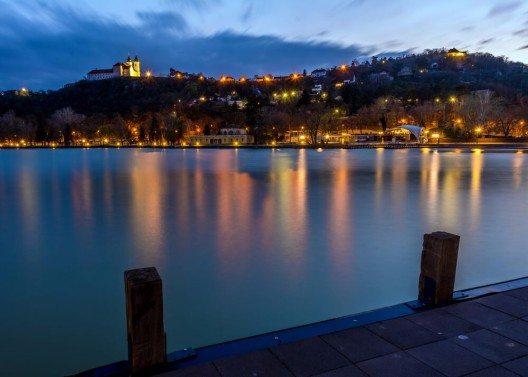 Tihany ist eine Gemeinde auf der gleichnamigen Halbinsel am nördlichen Ufer des Balatons. (Bild: © np - shutterstock.com)