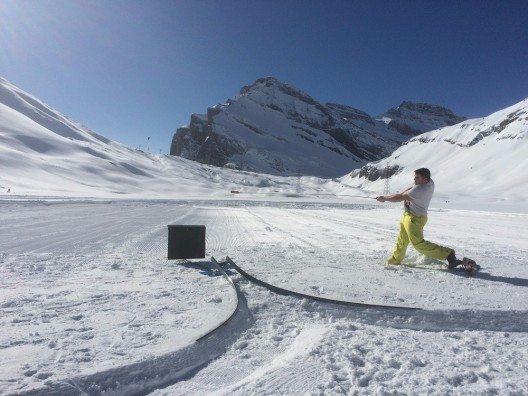 Der schneebedeckte Daubensee auf der Gemmi hoch über Leukerbad wird am 20. Februar 2016 zum Schauplatz eines einzigartigen Sportevents.