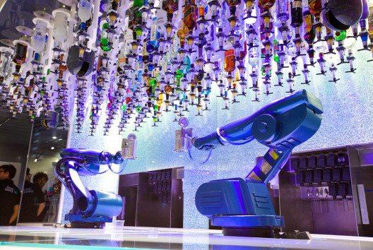 Im Hotel seinen Frühstückskaffee von einem Roboter serviert zu bekommen, ist heute keine Utopie mehr. (Bild: Wilde & Partner)