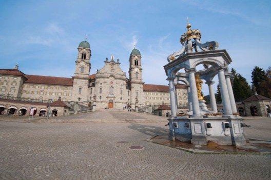 Kloster in Einsiedeln (Bild: © Martin Lehotkay - fotolia.com)