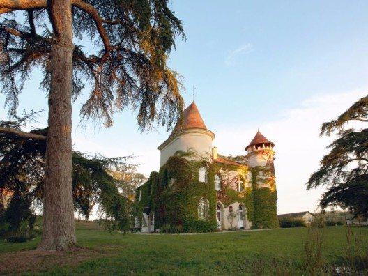 Chateau in Südfrankreich (Bild: © Traum-Ferienwohnungen.de)