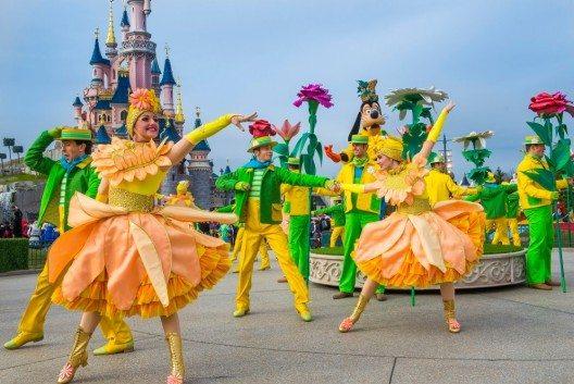 Ab 5. März weckt Disneyland Paris Frühlingsgefühle.