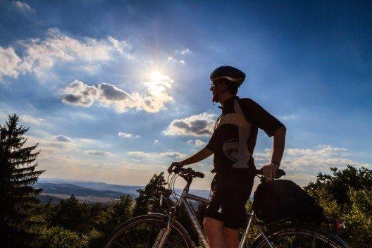 Viele ausgearbeitete Fahrradtouren warten auf Tagesgäste und Urlauber. (Bild: © Andreas Zerndl - shutterstock.com)