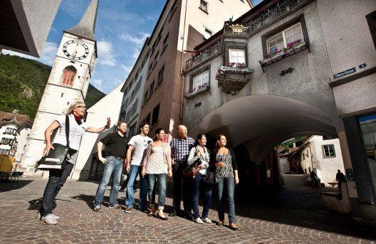 Chur entdecken mit einer Stadtführung, St. Martinsplatz. (Bild: Chur Tourismus/Andrea Badrutt)