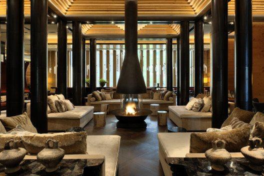 Im Lobby des Hotels (Bild: The Chedi Andermatt)