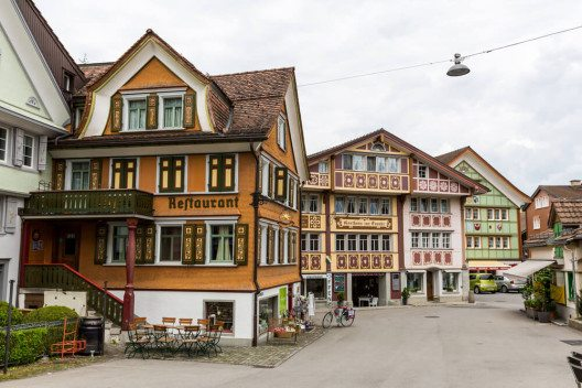 Schöne Appenzeller Häuser sind ein ganz besonderer Blickfang. (Bild: © Oscity - shutterstock.com)