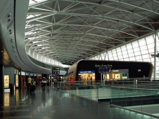 Am Flughafen Zürich wird bester Service geboten. (Bild: © Rhego - shutterstock.com)