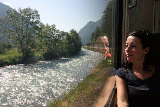 """""""Abenteuer Bahnreisen"""" (Bild: © Luca Grandinetti - shutterstock.com)"""