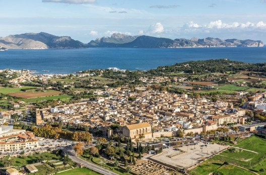 Die Stadt Alcúdia (Bild: fincallorca)
