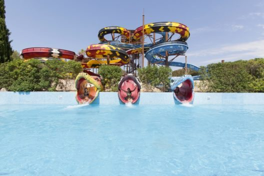 Action im Wasserpark Aqualand El Arenal (Bild: © Aspro Parks)