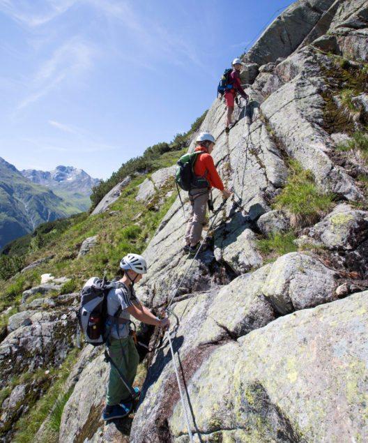 Blick auf Galtür und die Gipfel der Silvretta- und Verwallgruppe (Bild: Mike Gabl)