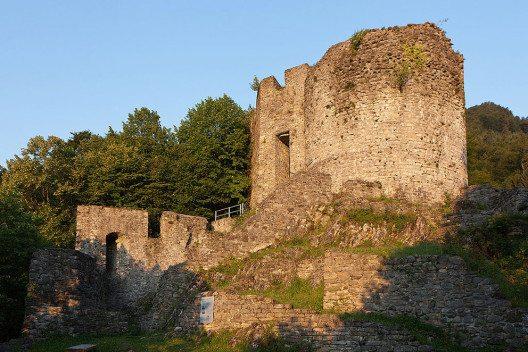 Burgruine Unspunnen in Wilderswil (Bild: Roland Zumbuehl, Wikimedia, GNU)