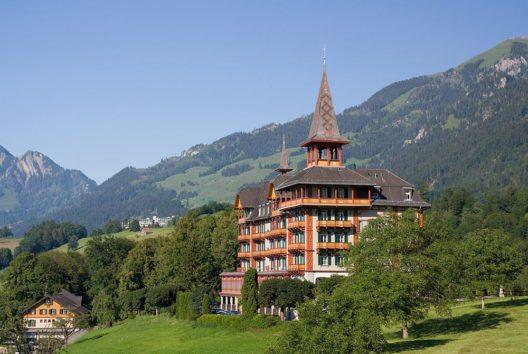 Das Hotel Paxmontana in Flüeli-Ranft (Bild: Ikiwaner, Wikimedia, GNU)