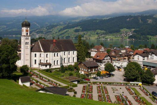 Pfarrkirche St.Theodul in Sachseln (Bild: Roland Zumbuehl, Wikimedia, CC)