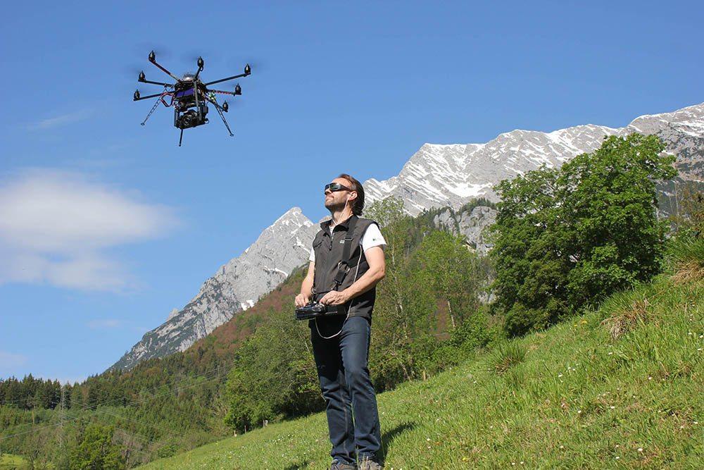 Region VON OBEN: Die hochaufgelösten Bilder wurden in den vergangenen Wochen und Monaten von speziellen Kamera-Drohnen aufgenommen. (Bild: © Schladming-Dachstein)