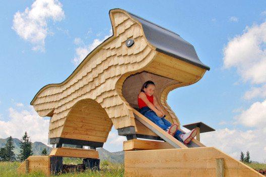 Auch der tierHOLZpark auf der Riesneralm sorgt für jede Menge Spaß und Abwechslung für Familienurlauber in Schladming-Dachstein. (Bild: Riesneralm)