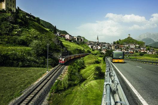 Erreichbarkeit und Erlebbarkeit sind zentrale Faktoren in der Angebotsentwicklung und -kommunikation der Ferienregion Scuol Samnaun Val Müstair (Bild: Andrea Badrutt, Chur)