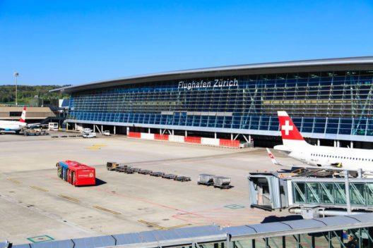 Den Flughafen aus neuen Perspektiven kennenlernen (Bild: © Nadezhda1906 – Shutterstock.com)